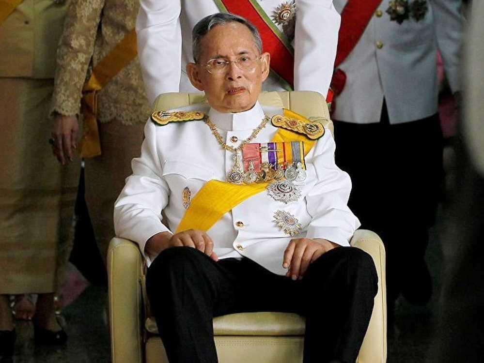 Умер король Таиланда.